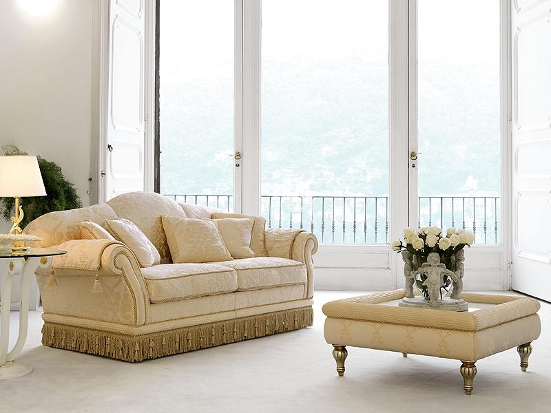Divano classico modello arredo casa fvg for Salotti eleganti classici