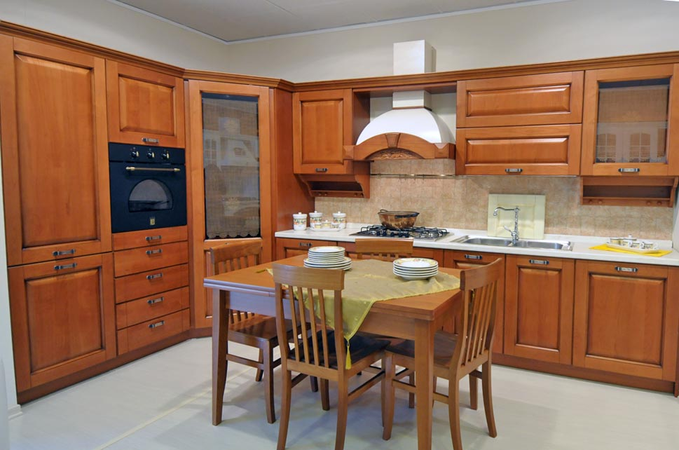 Cucina classica modello julia arredo casa fvg - Cappe da cucina classiche ...